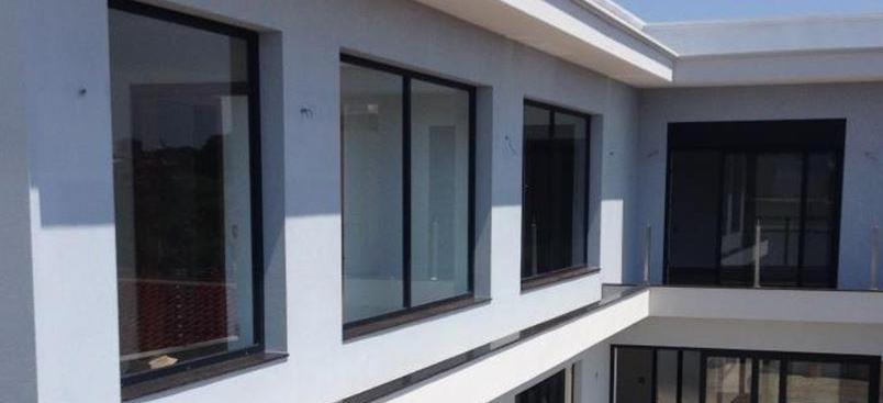 Portas e janelas de PVC coloridas